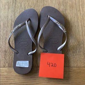 Havaianas, 35-36,dk brown, thin strap w/jewels,new